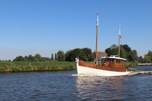 Summer reload on board van Barking Dogs en SSH-Boating
