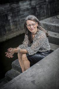 Te druk voor elkaar? Met de tips van organizing expert en bemiddelaar Sara Van Wesenbeeck maak je toch tijd voor je relatie. www.barkingdogs.be