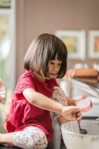 Zo leer je je kinderen helpen in het huishouden: 8 eenvoudige tips - expert Sara Van Wesenbeeck - www.barkingdogs.be